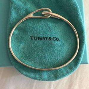 Tiffany infinity bracelet Classic silver bracelet!